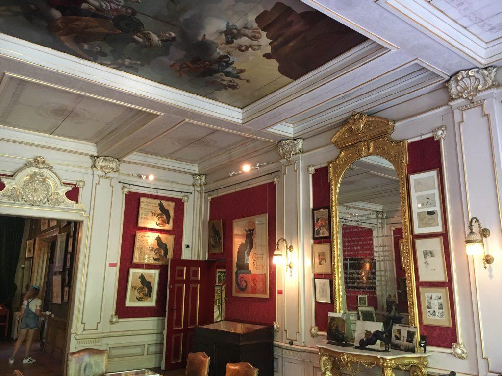 Inside the Katten Kabinet