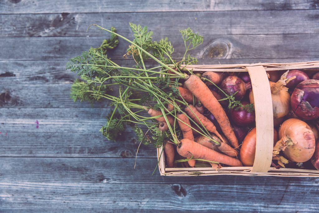 Carrots and vegetables Photo by Markus Spiske on Unsplash