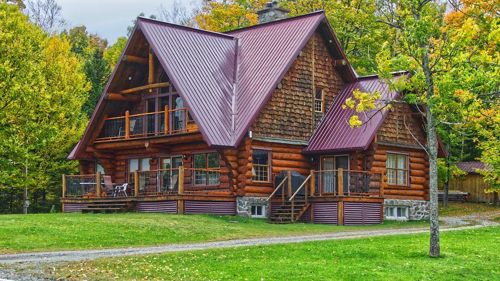 Family vacation rental Photo by Pascal Bernardon on Unsplash
